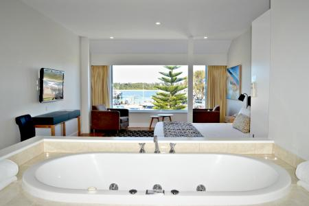 Boat house - Spa Suites